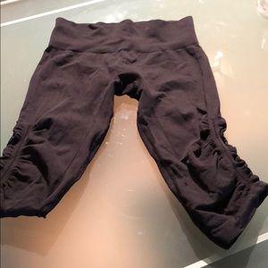 Knee length workout leggings